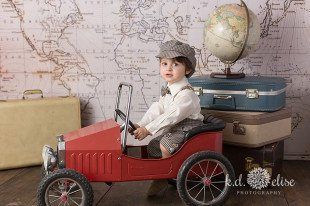 World travel themed children's photoshoot by K.D. Elise Photography.